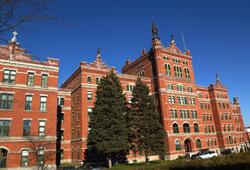 Campus centre ville liaison universit de sherbrooke for Piscine universite sherbrooke