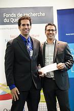 Fran&ccedil;ois Allard recevant le prix Acfas &ndash; Ressources naturelles, avec Serge B&eacute;dard, gestionnaire principal de programme &agrave; Canmet &eacute;nergie.<br>