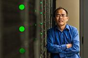 HuiZhong Lu, gagnant d'un prix d'excellence de Calcul Canada pour son soutien exceptionnel.<br>
