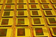 « Une nouvelle famille de capteurs d'images infrarouges fera bientôt son apparitionsur le marché », indique le professeur Paul Charette.