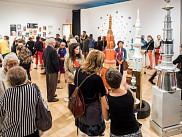 Vernissage de l'exposition <em>Tour de table</em>, pr&eacute;sent&eacute;e par les finissantes et finissants du dipl&ocirc;me de 2<sup>e</sup>&nbsp;cycle en pratiques artistiques actuelles de l'UdeS.<br>
