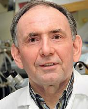 Le professeur-chercheur Éric Rousseau.