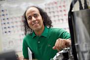 Mohamed Balli est nommé Étudiant-chercheur étoile pour ses recherches sur la réfrigération magnétique.