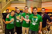 Sherbroue, club étudiant de la Faculté de génie de l'UdeS, célèbre sa victoire lors de cette première compétition universitaire.