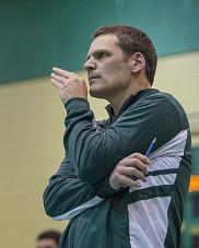 L'entra&icirc;neur de la formation masculine de volleyball Vert &amp; Or, Marc Lussier.<br>
