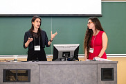 Les linguistes Mireille Elchacar et Ada Luna Salita, lors de la présentation du colloque des 24 et 25 mai dernier.