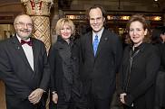 Me André-Gilles Brodeur, président de l'ADDUS, l'honorable Carole Hallée, coprésidente d'honneur, Me Sébastien Lebel-Grenier, doyen de la Faculté de droit, et l'honorable Line Samoisette, coprésidente d'honneur.