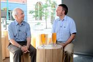 Roger Lecomte et Bertrand Reulet : deux profs, deux univers. Ensemble, ilsréfléchissent aux nouveaux défis qui émergent du regard neuf de leurs étudiants.