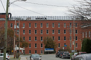 <p>La structure en longueur couvre une surface de 92&nbsp;m<sup>2</sup> sur le toit du Pavillon d&rsquo;Youville du CSSS-IUGS.</p>