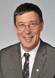 Professeur Jean-Pierre Perreault.<br>