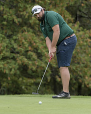 F&eacute;lix Gamache au tournoi des 9 et 10 septembre au Club de golf Milby<br><br>Photo: Yves Longpr&eacute;/Vert &amp; Or
