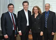 Pr Jean-Pierre Perreault, vice-doyen à la recherche et aux études supérieures de la FMSS, le doyen de la Faculté de génie, Pr Patrik Doucet, madame Julie Payette et le doyen, Pr Pierre Cossette.