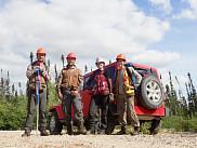 Équipe mobilisée pour la campagne terrain pour le projet de recherche. De gauche à droite : Charles Cambier, Hugo Tremblay, Alyssa Desfossés, Charlotte Smetanka