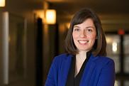 La professeure Hélène Mayrand de la Faculté de droit est spécialisteen droit de l'immigration et des réfugiés.