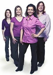 La directrice Joanne Deschênes à l'avant, et ses trois nouvelles employées du SIPSE-SIPSE depuis août 2011 : Marjorie Gosselin, Karine St-Pierre et Sarah Raîche-Rousseau