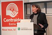 Lucie Freni&egrave;re, pr&eacute;sidente de la campagne Centraide 2015 de l'UdeS, invite la communaut&eacute; universitaire &agrave; faire preuve de g&eacute;n&eacute;rosit&eacute;.<br>