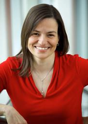 La professeure &Egrave;ve Langelier, titulaire de la Chaire pour les femmes en sciences et en g&eacute;nie du CRSNG.<br>