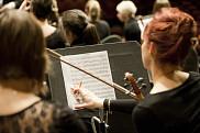 La collaboration avec l'OSS viendra bonifier la formation déjà offerte aux étudiantes et étudiants en créant un contact privilégié avec des musiciennes et musiciens professionnels chevronnés et un chef d'orchestre de renom.