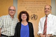 Paul Grand'Maison, directeur du Centre collaborateur, Martine Morin, directrice adjointe du Centre collaborateur, et Pierre Cossette, doyen de la Faculté de médecine et des sciences de la santé.