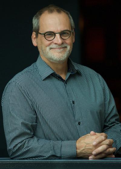 Le professeurau Département d'économique de l'École de gestion Alain Webster