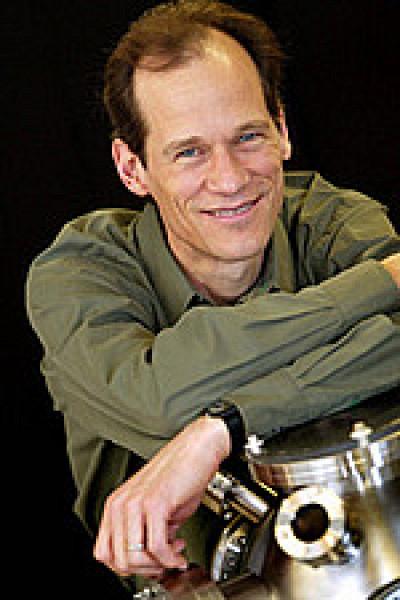 Louis Taillefer, professeur au Département de physique de la Faculté des sciences.