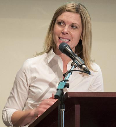 La co-organisatrice Mélanie Bourassa Forcier analysera les tendances et les impacts des projets de loi sur lesystème de santé et les incitatifs à la performance.