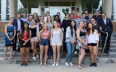 Une première rencontre entre étudiantes et étudiants en communication du Québec et de la Belgique.