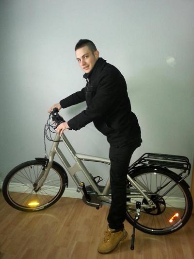 Félicitations à Cédric Fortier qui a remporté le vélo électrique eVox en marge de l'enquête sur les intérêts et attentes des étudiants en matière de formation et développement durable.