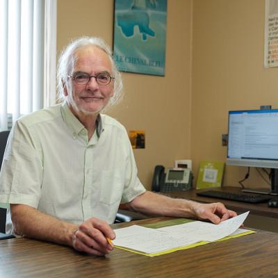 Professeur Paul Morin, École de travail social, Faculté des lettres et sciences humaines.