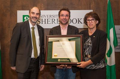 Le professeur Jean-Pierre Le Glaunec est lauréat en sciences humaines et sociales, droit et administration.