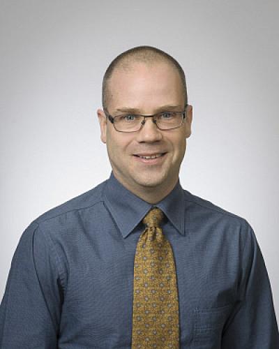 Le professeur Martin Brochu de la Faculté des sciences de l'activité physique
