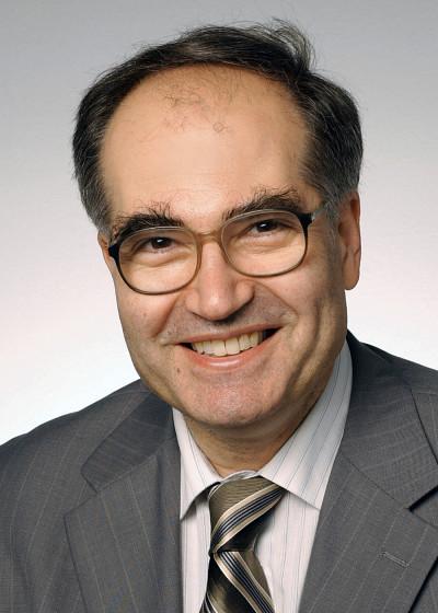 Le professeur Tamàs Fülöp