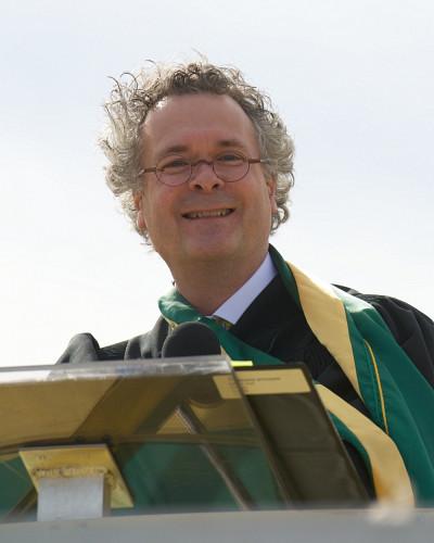 Le doyen de la Faculté de théologie et d'études religieuses, Pierre Noël