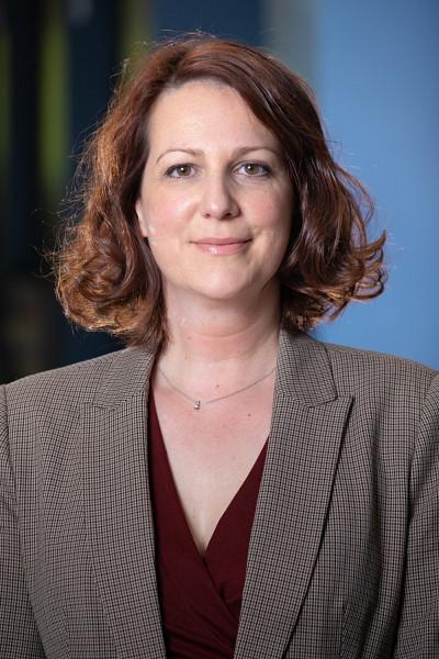 La professeure de l'École de politique appliquée Catherine Côté pilote le projet de recherche « Comportement politique 2.0 ».