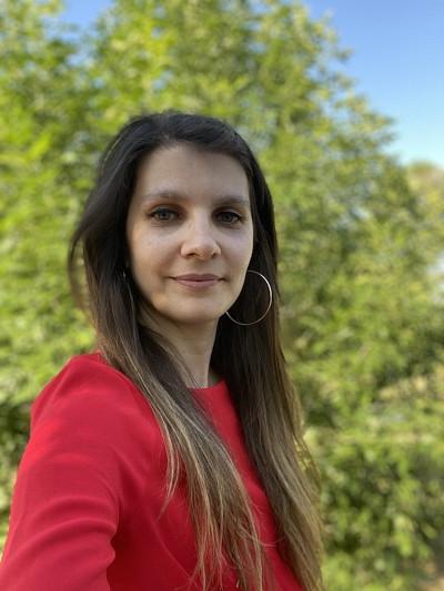 Adina Panchea, postdoctorante et coordonnatrice du projet FRMI.