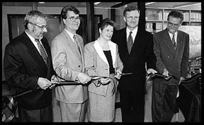 C'est le 15 mai 1998 que le Centre Anne-Hébert a été inauguré. Le professeur de littérature et ami personnel de l'écrivaine, Michel Gosselin, le député de Pierrefonds-Dollard, Bernard Patry, la députée de Sherbrooke, Marie Malavoy, le recteur Pierre Reid et le doyen de la Faculté des lettres et sciences humaines, Normand Wener, avaient alors procédé à la coupe du ruban qui, pour l'occasion, en était un de machine à écrire.