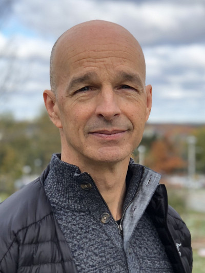 Sylvain Bourdon, professeur à la Faculté d'éducation et cotitulaire de la Chaire-réseau de recherche sur la jeunesse du Québec.