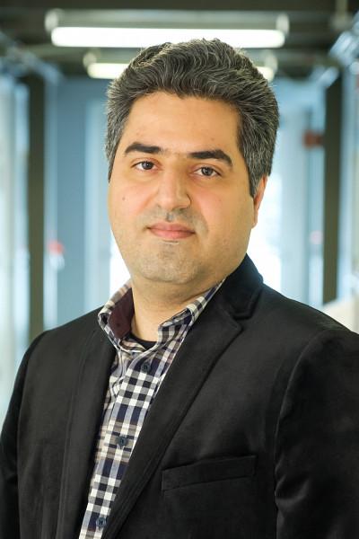 Reza Aziziyans'est joint à l'équipe du Pr Jan Dubowski du 3IT pour accomplir sa thèse.
