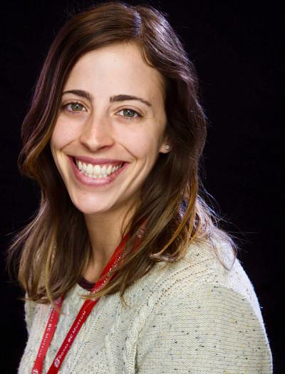 La Pre Isabelle Laforest-Lapointe, titulaire de la Chaire de recherche du Canada en écologie microbienne appliquée.