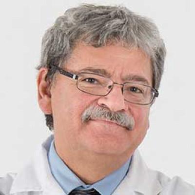 Michel L. Tremblay, diplômé de la Faculté de médecine et des sciences de la santé et de la Faculté des sciences