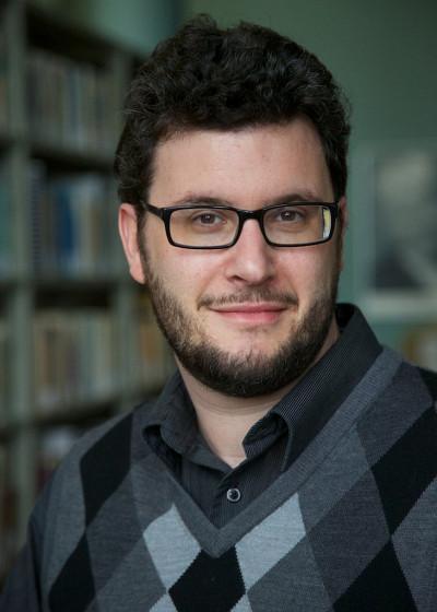 Le professeur Anthony Glinoer, titulaire de la Chaire de recherche du Canada sur l'histoire de l'édition et la sociologie du littéraire.