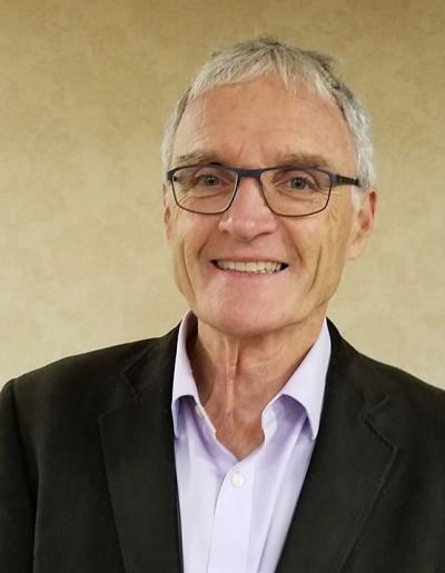 Stephen Cunnane est professeur-chercheur à la Faculté de médecine et des sciences de la santé et au Centre de recherche sur le vieillissement.