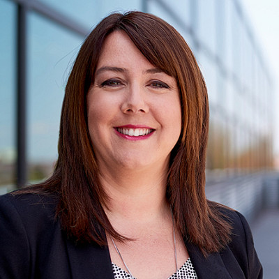 Sophie Lemieux est consultante en management et formatrice.Elle possède une expérience de plus de 20 ans en gestion de la performance organisationnelle, en gestion d'équipes multidisciplinaires, en coaching et en formation.