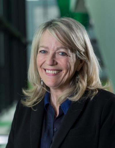 La vice-rectrice à l'administration et au développement durable, Denyse Rémillard