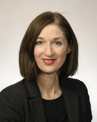 La professeure Nicole Côté est spécialiste de la traduction littéraire et de la littérature comparée.