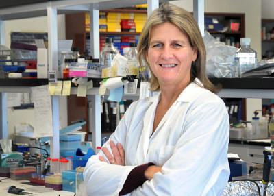 Professeure Nathalie Rivard, vice-doyenne aux études supérieures, à la recherche et à l'innovation de la FMSS.