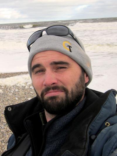 Le Pr Frédéric Bouchardse spécialise, entre autres, sur l'étude du pergélisol, des lacs des milieux froids (arctique et subarctique), des paléoenvironnements (sédiments lacustres) et des émissionsde gaz à effet de serre (GES) comme le CO2et le méthane en Arctique.