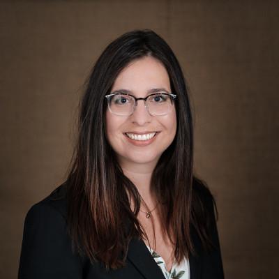 Isabelle Dufour, de l'École des sciences infirmières, remporte le Prix de la meilleure thèse de doctorat dans la catégorie Médecine et sciences de la santé.