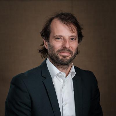 Maxime St-Hilaire, de la Faculté de droit, remporte le Prix de la recherche et de la création dans la catégorie Sciences humaines et sociales.
