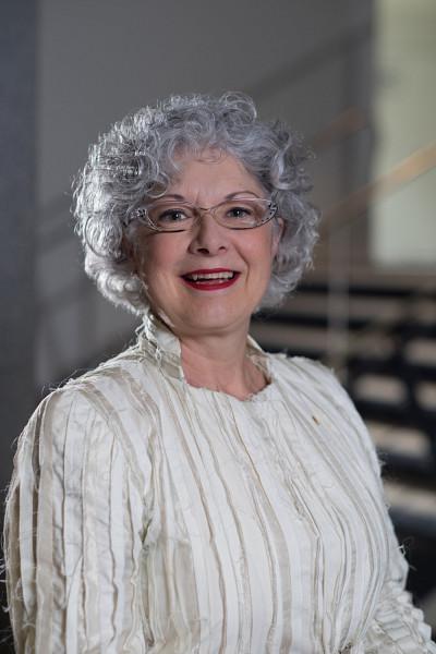 La professeure et vice-rectrice Jocelyne Faucher.